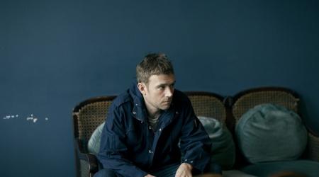 Zamyślony Damon Albarn – nowy singiel, nowa płyta