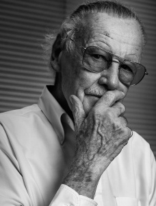 stan-lee-nick-saglimbeni-portrait-wmb-3d-black-white-dramatic-slickforce