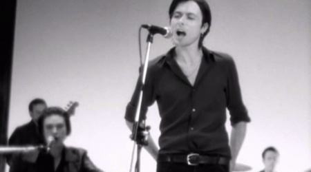 20 lat Beautiful Ones – Suede